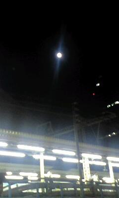 真夏の夜の満月