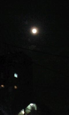昨晩見た妖しい色の満月
